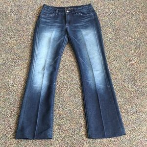 7 for all mankind size 28 bootcut jeans.